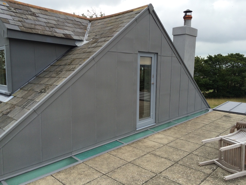 Quartz zinc cladding to gable end, Sandwich